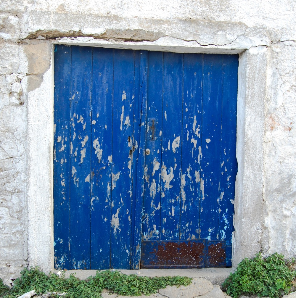 alozianika-blue-door-6