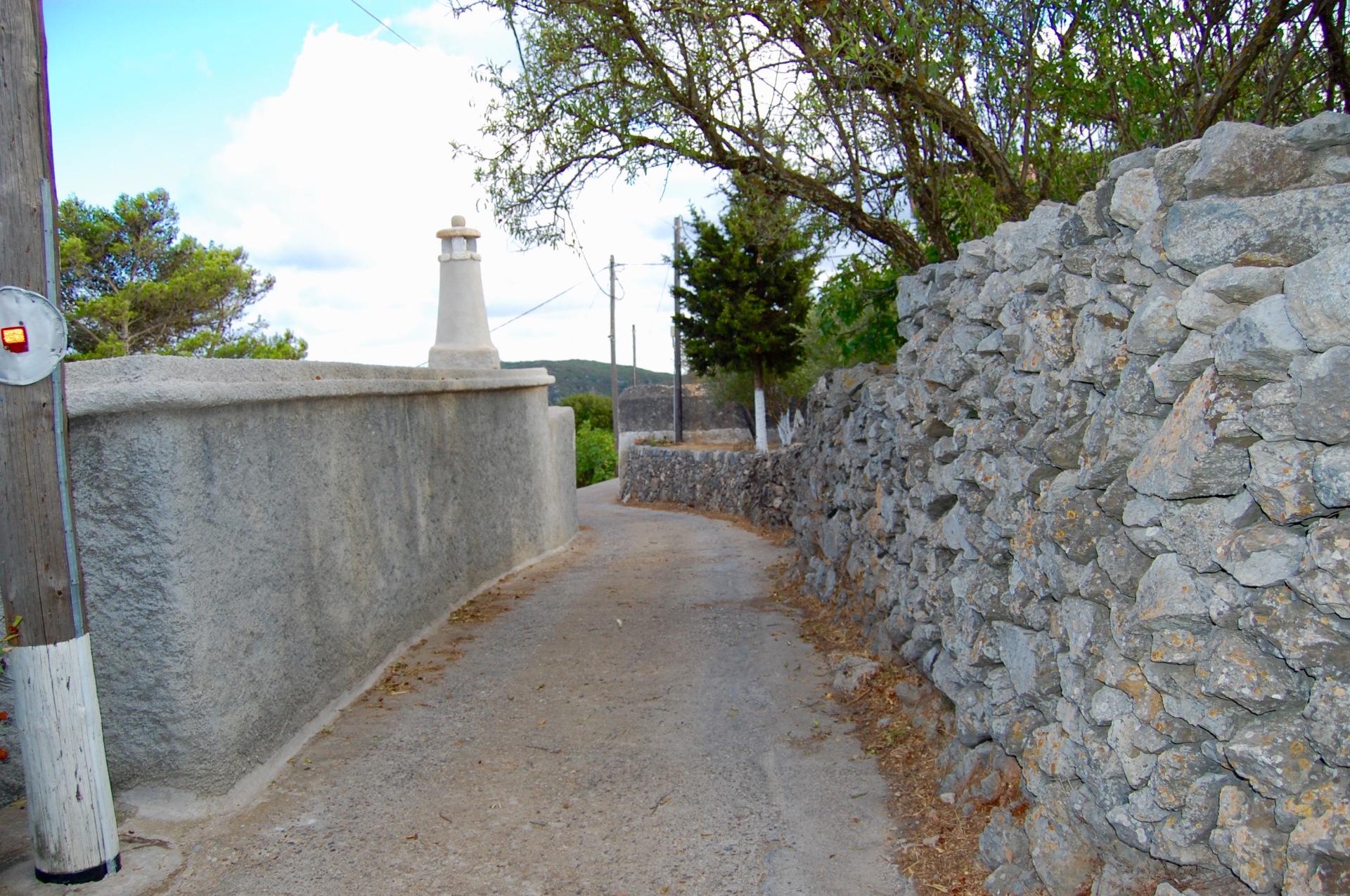 alozianika-narrow-road-5