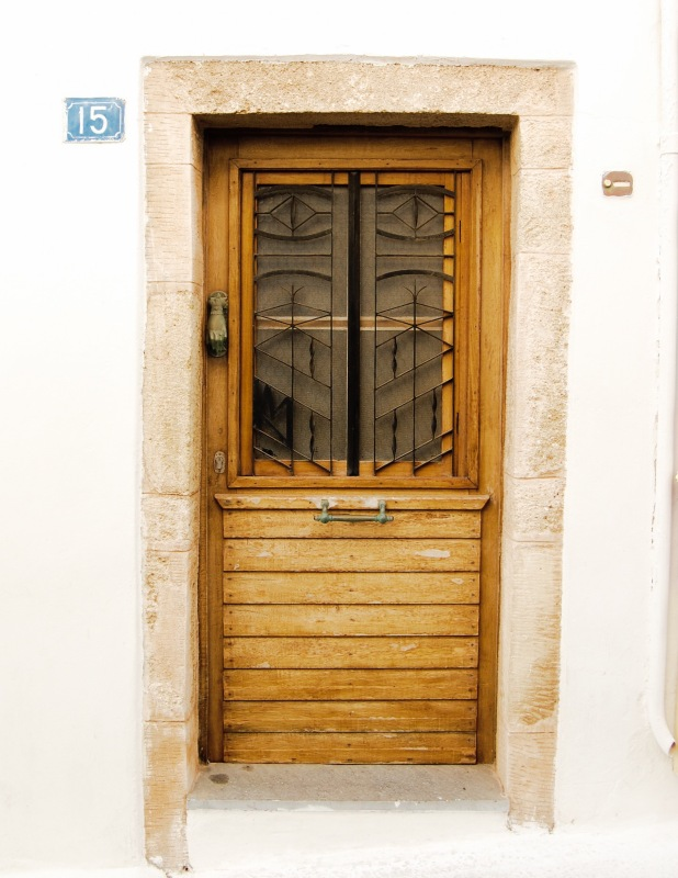 chora-kythera-wooden-door-1f