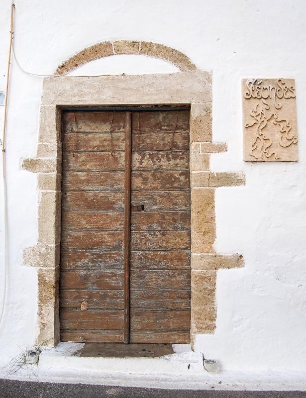 chora-kythera-wooden-door-2f