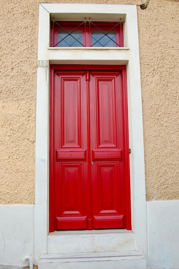 plaka-red-door-1