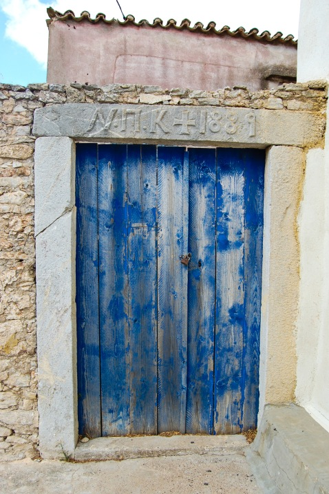 aroniadika-old-blue-door-1