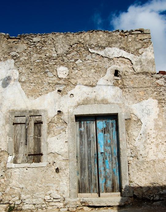 aroniadika-old-blue-door-2