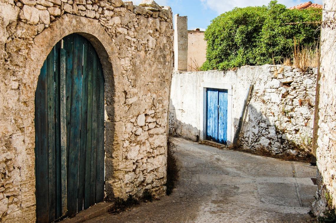aroniadika-old-blue-door-3