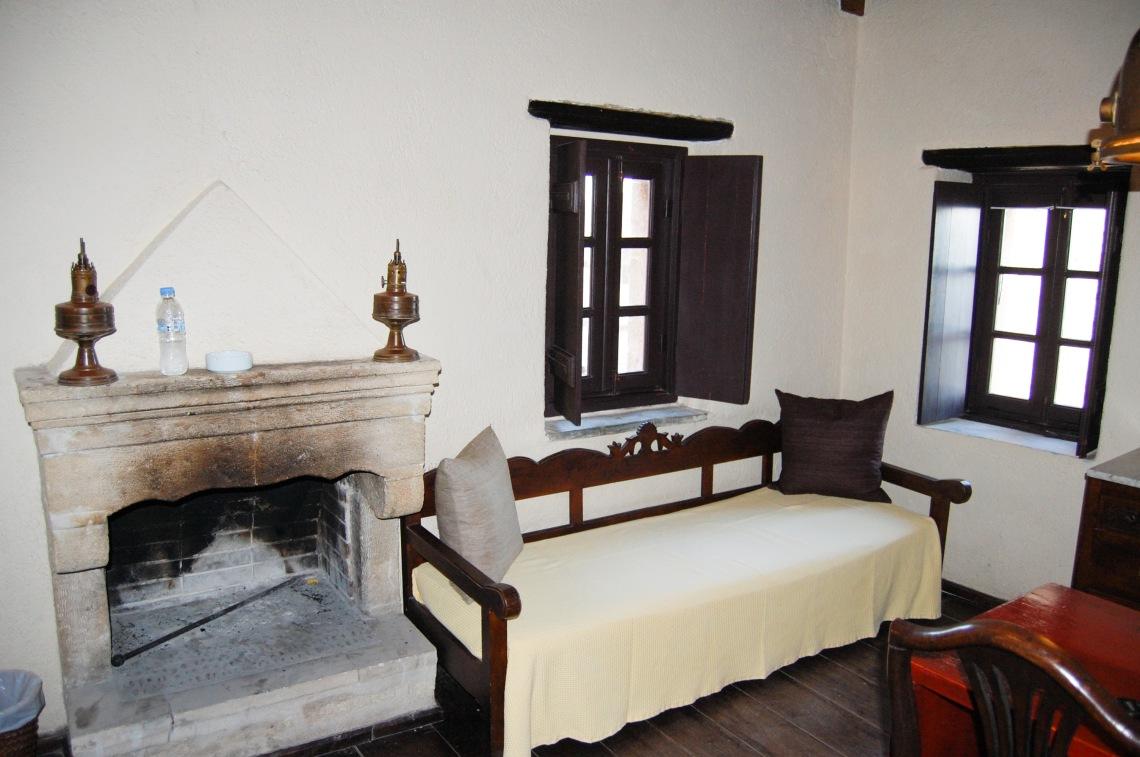 byzantino-hotel-room_edited