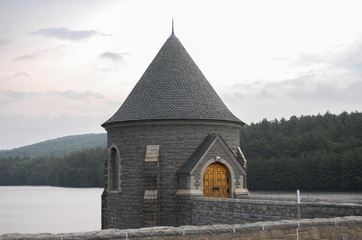 Upper Gatehouse overlooking reservoir