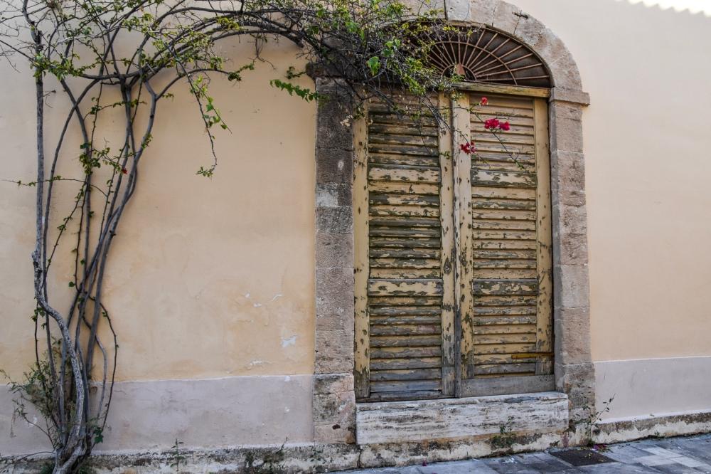 Nafplio Door 10 LR