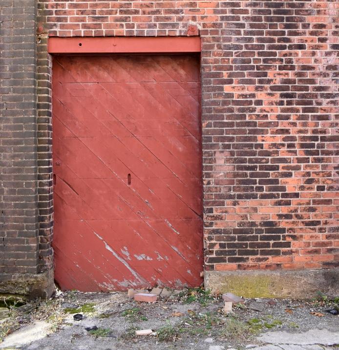 Where's the door handle?