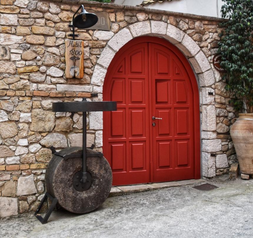 Hotel 1800 Red Door